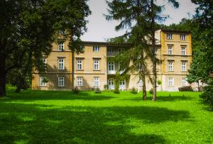 Zespół dworsko parkowy Dąbrowica