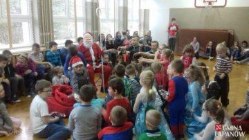 Wizyta św. Mikołaja w szkole w Zbydniowie